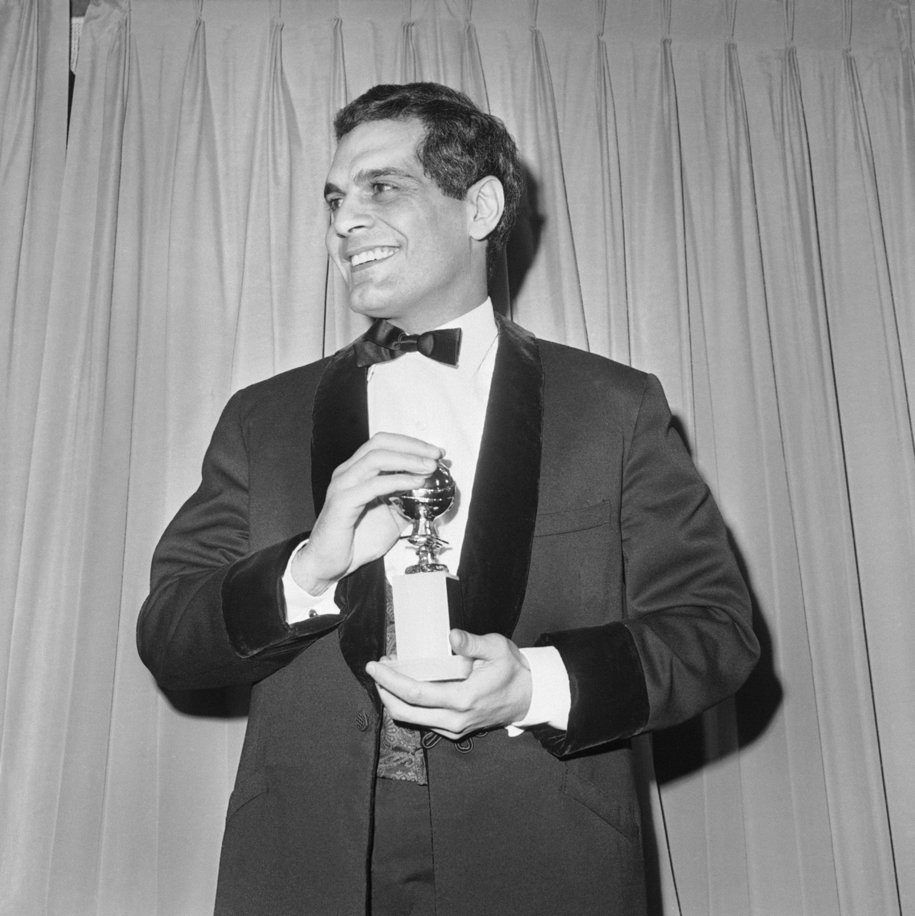 Actor Omar Sharif with his golden globe in Hollywood Jan. 31, 1966. (File: AP)