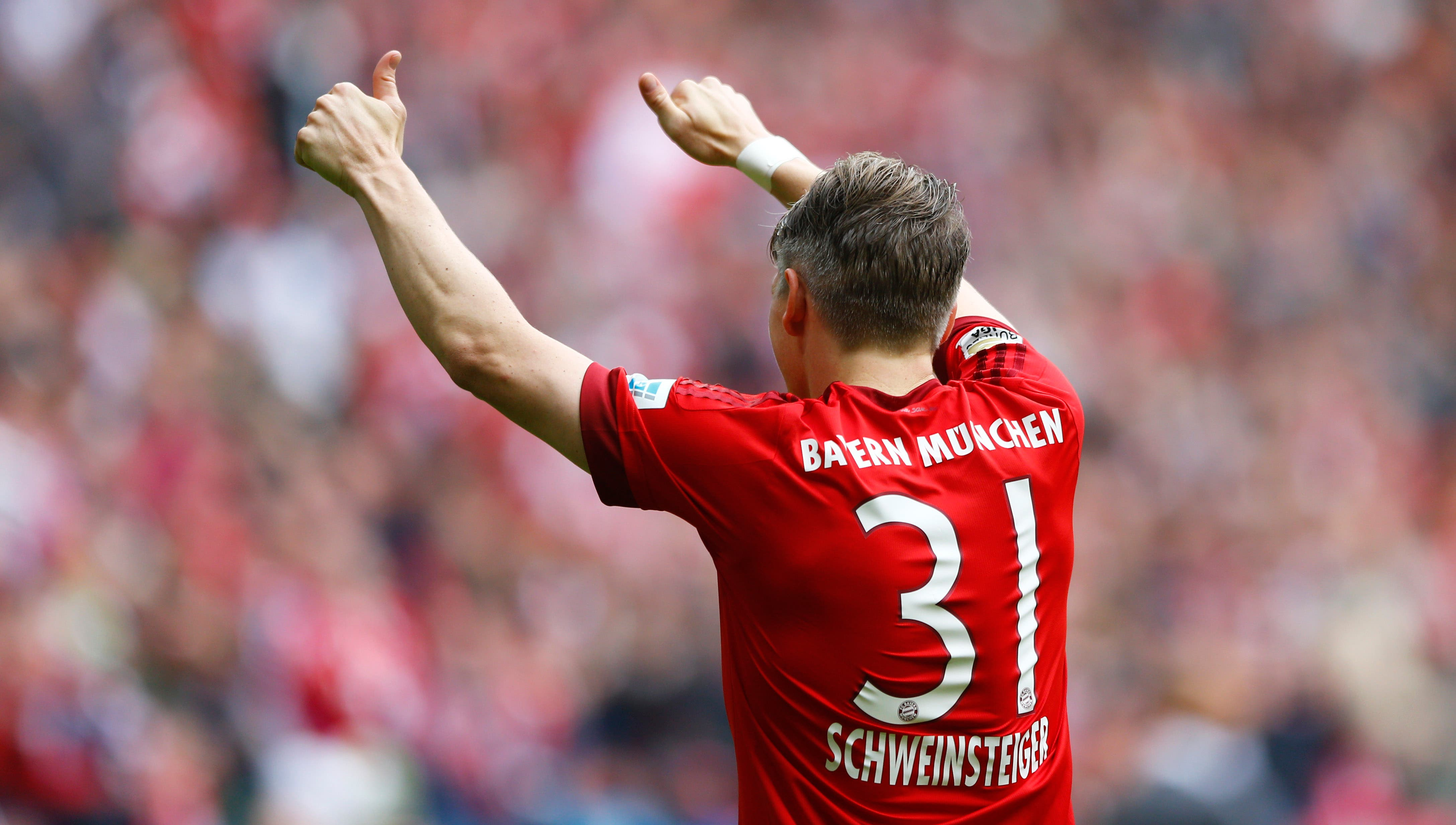 Bayern's Bastian Schweinsteiger celebrates after scoring his side's second goal during the German first division Bundesliga soccer match between FC Bayern Munich and 1. FSV Mainz 05 at the Allianz Arena in Munich, Germany, on Saturday, May 23, 2015. (AP Photo/Matthias Schrader)