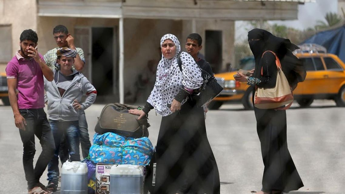 Palestinians return to the Gaza Strip