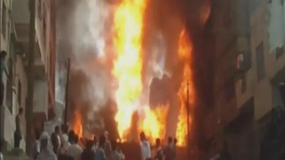 THUMBNAIL_ ميليشيات #الحوثي تفجر ناقلة وقود وسط حي سكني في #تعز