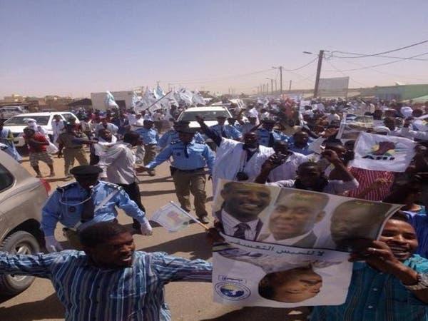 زنوج غاضبون يهاجمون موكب رئيس #موريتانيا