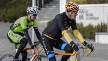 كيري يعود إلى أميركا بعد إصابته بحادث دراجة بفرنسا