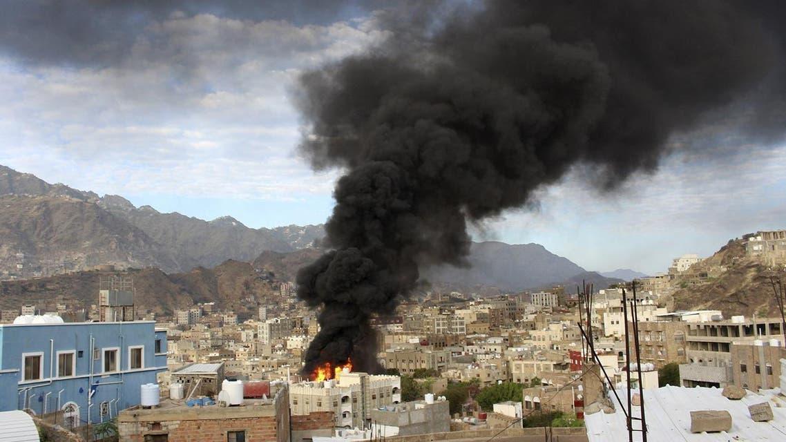 جانب من الاشتباكات بين المقاومة الشعبية والحوثيين في تعز (أرشيفية)
