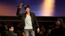 Enrique Iglesias: 'My hand is getting better little by little'