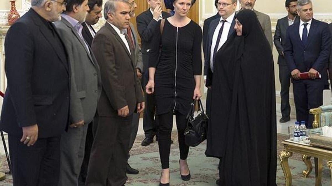 مندوبة البرلمان الهولندي ماريتشه اسخاكه في زيارة لإيران