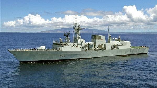 إيران: سفينة حربية حاولت منعنا.. لندن: مدمرتنا كانت بعيدة