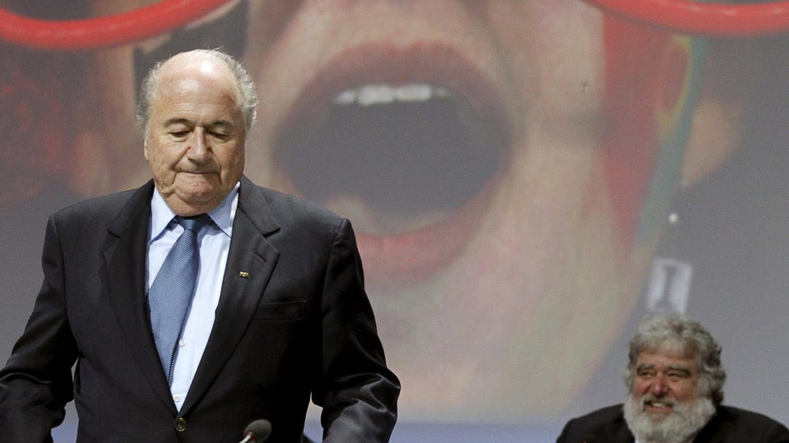 Then FIFA President Sepp Blatter (L) stands in front of then executive member Chuck Blazer during the 61st FIFA congress at the Hallenstadion in Zurich, Switzerland in this June 1, 2011. (File Photo: Reuters)