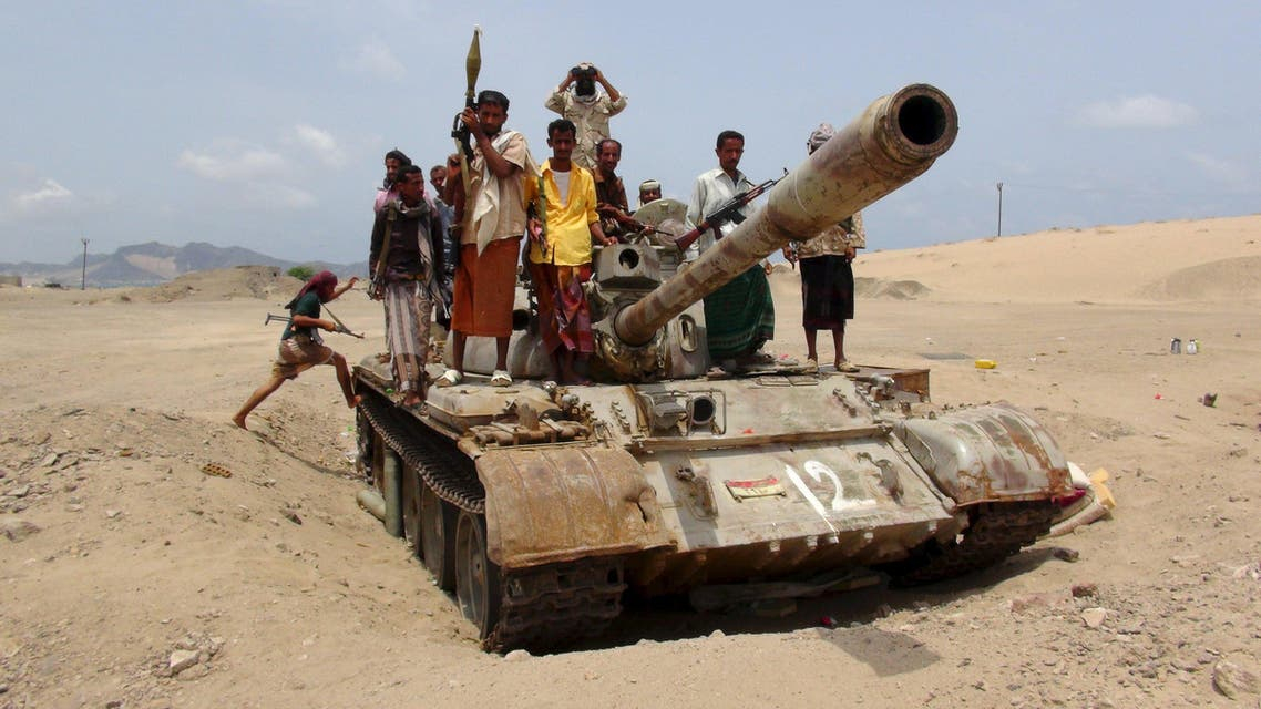 Southern Popular Resistance fighters ride on a tank at the front line of fighting against Houthi fighters, on the outskirts Aden, Yemen. (File: Reuters)