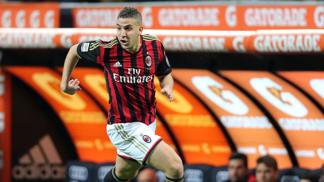 AC Milan forward Adel Taarabt, of Morocco, controls the ball during the Serie A soccer match between AC Milan and Chievo Verona at the San Siro stadium in Milan, March 29, 2014. (File Photo: AP)