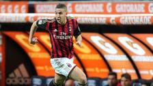 Morocco midfielder Taarabt leaves QPR for Benfica