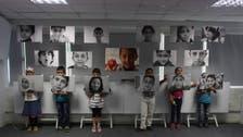 أطفال سوريون أبطال وزوار معرض.. وضحكاتهم علامة فارقة