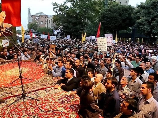 "قائد إيراني: #خامنئي رضخ لضغوط روحاني حول ""النووي"""