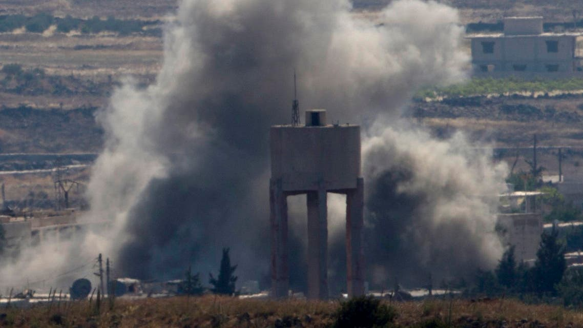 Smoke and explosions from fighting between forces loyal to Syrian President Bashar Assad and rebels in the Quneitra area of Syria are seen from the Israeli-occupied Golan Heights, Wednesday, June 17, 2015. (File: AP)