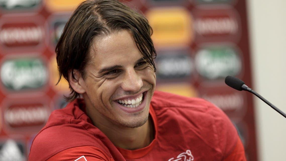 Switzerland's soccer team goalkeeper Yann Sommer smiles during a news conference in Vilnius, Lithuania, June 13, 2015. (Reuters)