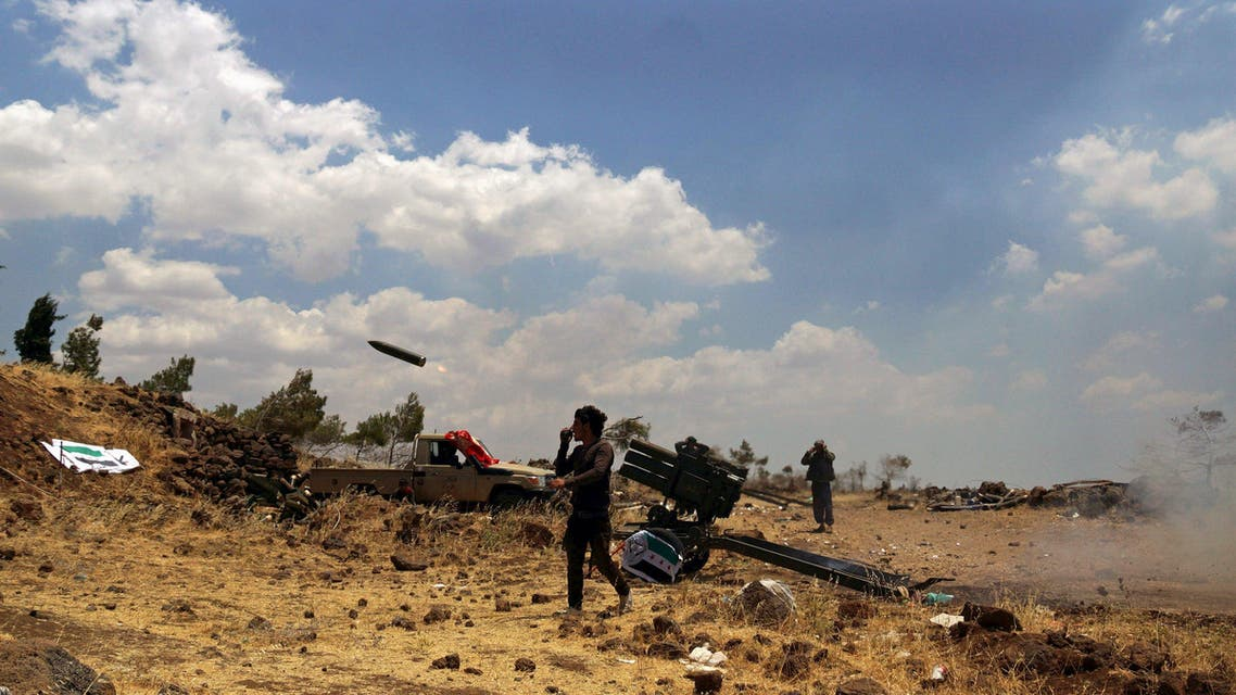 Free Syrian Army fighters fire rockets towards forces loyal to Syria's President Bashar al-Assad in the northern countryside of Quneitra, Syria, June 17, 2015. (File: Reuters)