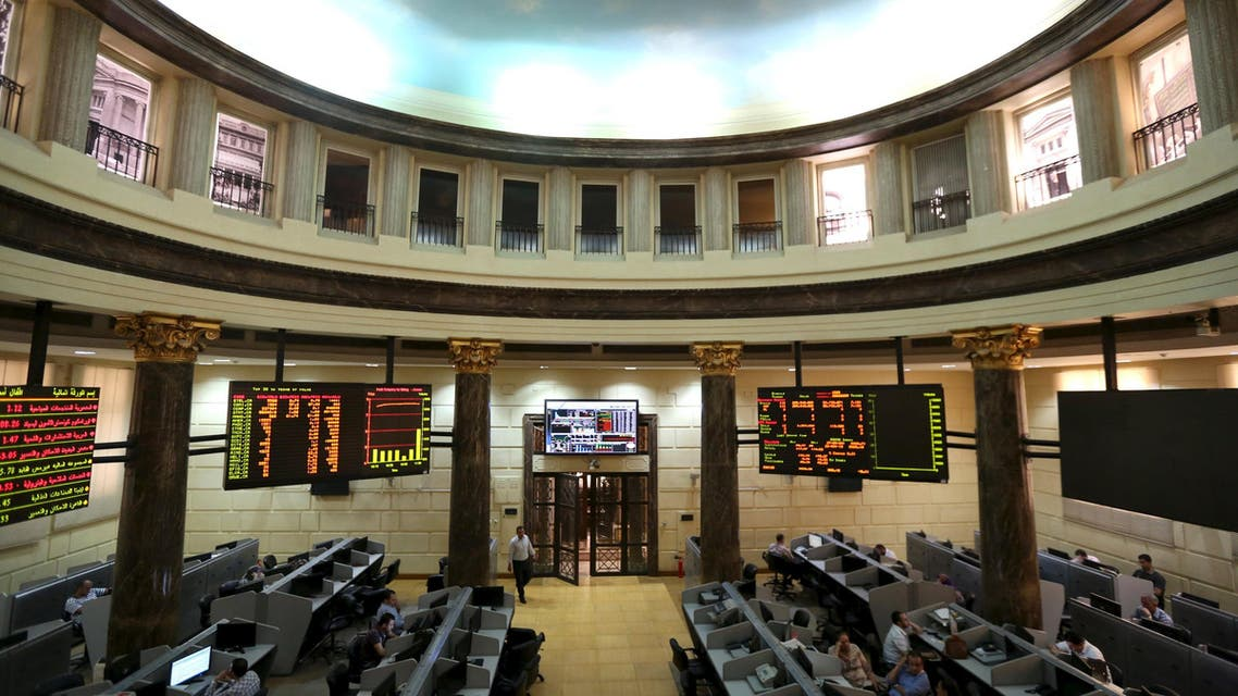 Traders work at the Egyptian stock exchange in Cairo, May 28, 2015. Reuters