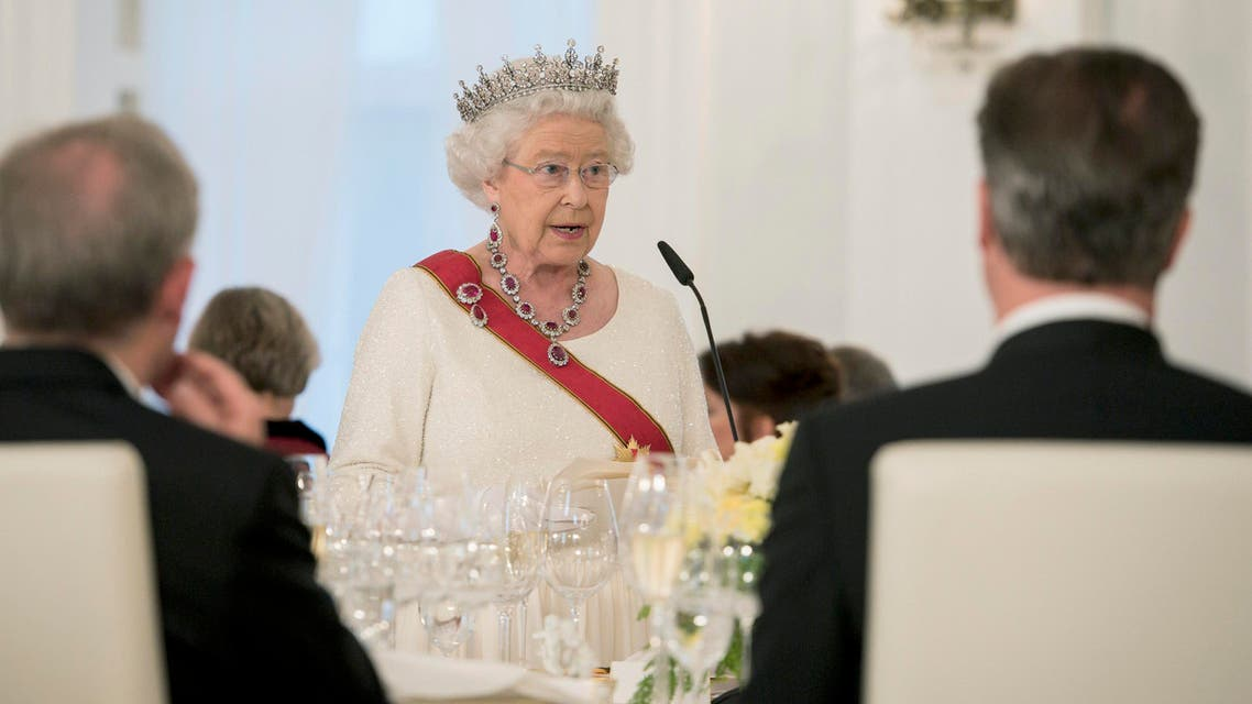 Britain's Queen Elizabeth makes a speech during a state banquet at Bellevue presidential palace in Berlin, Germany June 24, 2015. Reuters