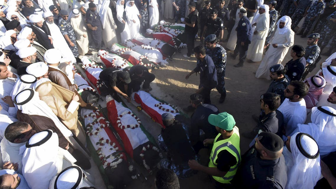 الكويت - تشييع ضحايا مسجد الصوابر 3