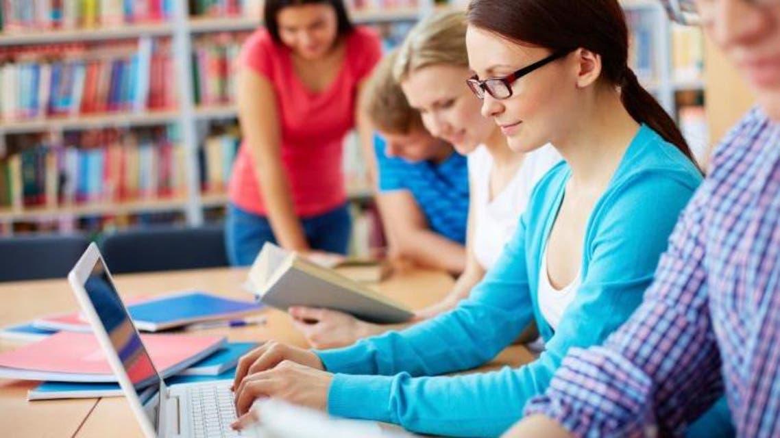 منع مواقع التواصل على الطلاب خلال الدراسة