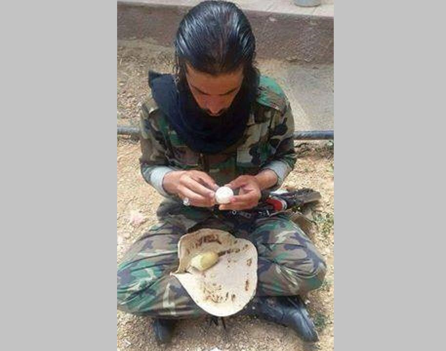 الدعم الإيراني فقط لكبار الضباط ولا يصل الى هذا المجنّد أبداً