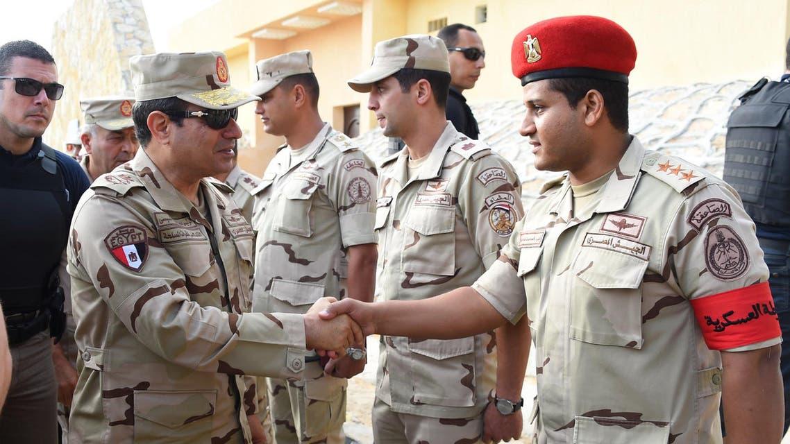 السيسي بالزي العسكري في شمال سيناء بعد الهجمات