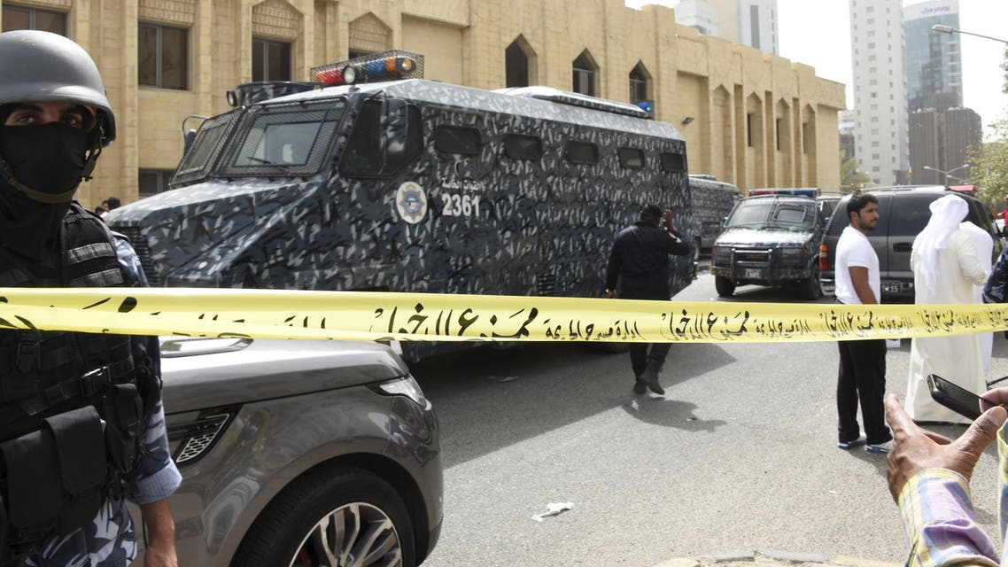 Kuwait Special Forces control the area around the Shiite Imam Sadiq Mosque in Al Sawaber area of Kuwait City. (Reuters)