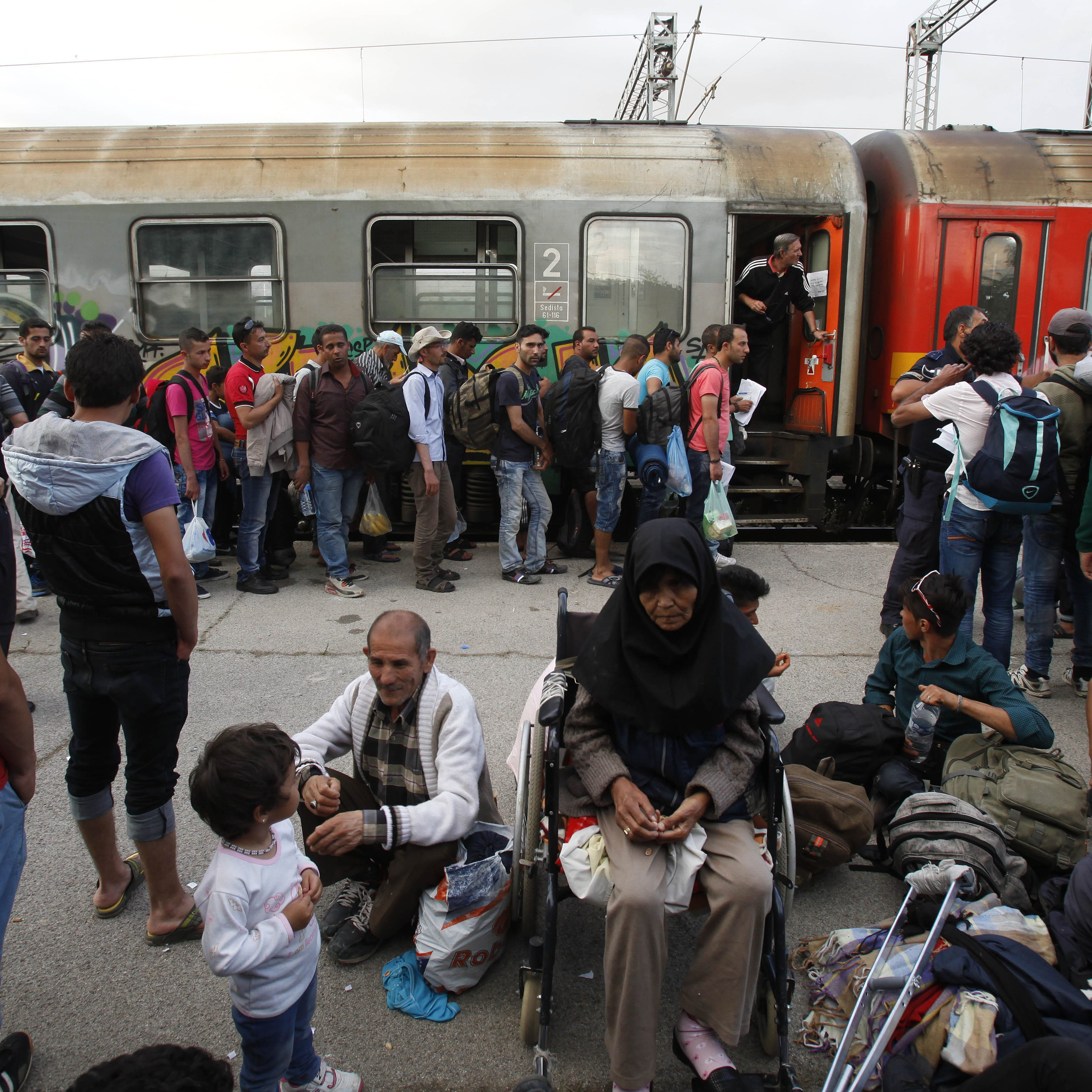 France suspends expulsions of migrants to Afghanistan