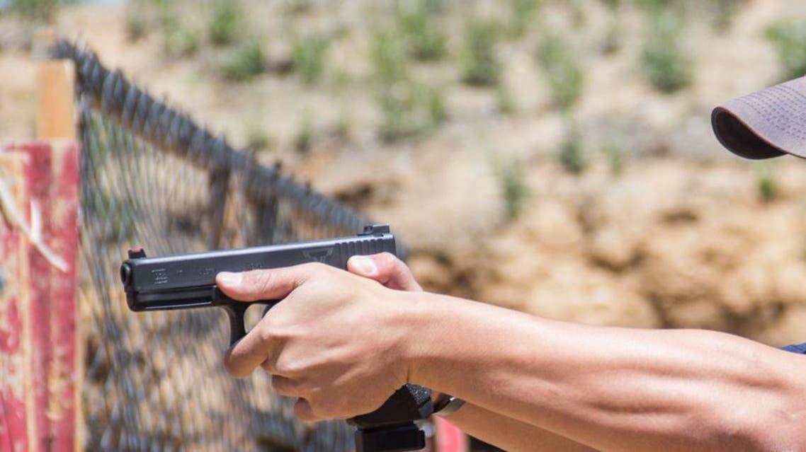 اطلاق نار من مسدس