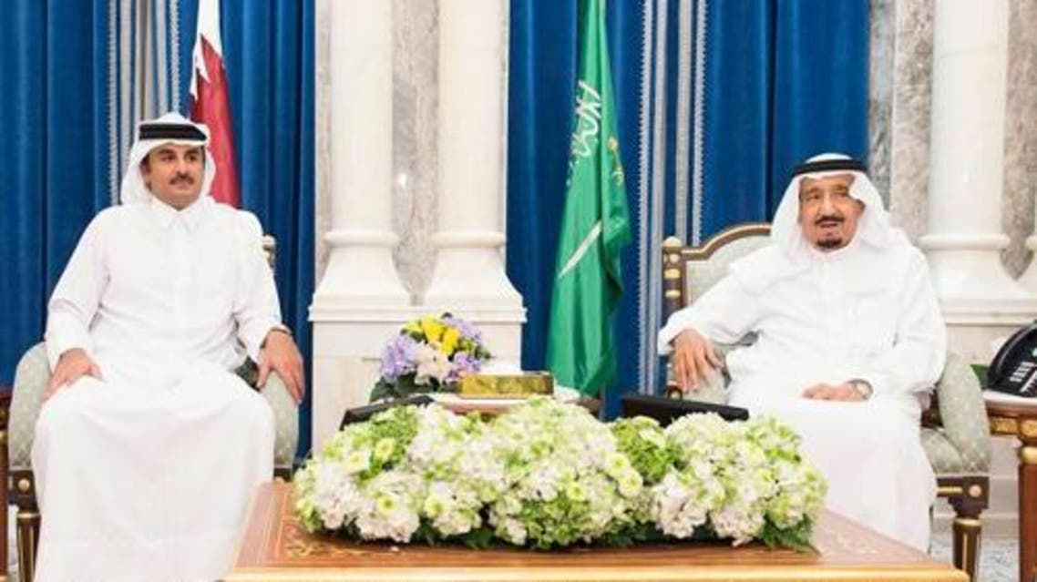 Sheikh Tamim Bin Hamad Al-Thani (L) and King Salman (R) at Al-Safa Palace in Makkah on Wednesday, 8 July, 2015. (Photo Courtesy Saudi Gazette)