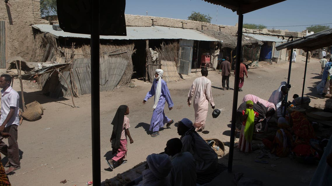 people walk through the central market in Mao, Chad. (File: AP)