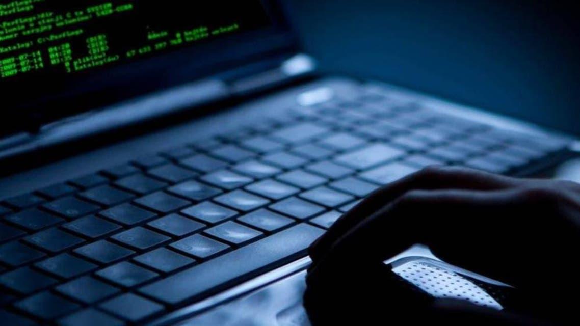 قرصنة قراصنة تهديد أمني اختراق هاكرز هكرز سرقة معلومات بيانات