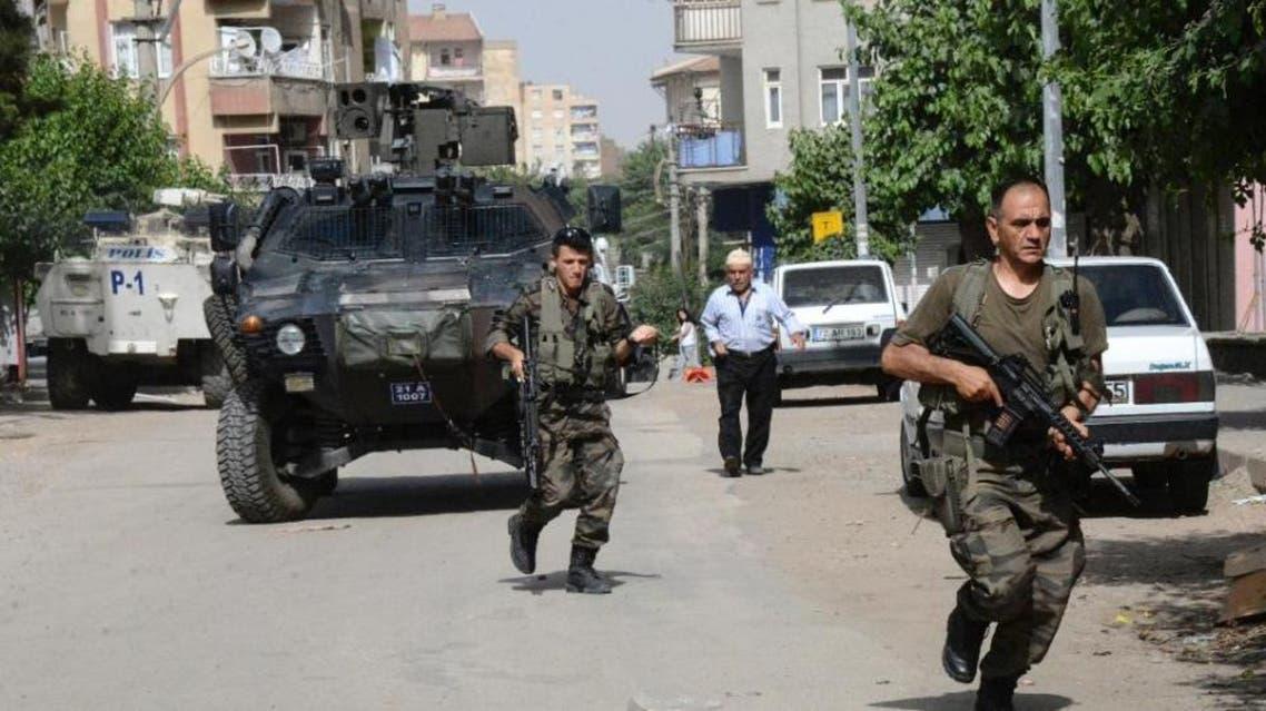 تركيا.. اعتقال 45 أجنبياً في طريقهم للقتال في سوريا