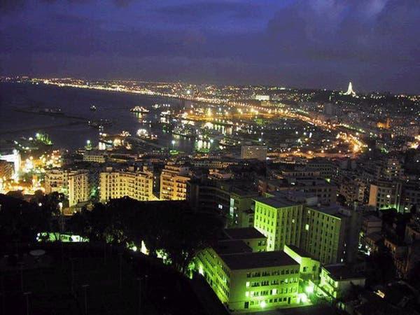 الجزائر تتوقع هبوط دخل الطاقة والاحتياطيات في 2016