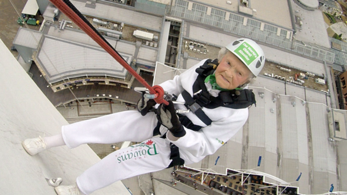 A 101-year-old British woman swung from a 94-meter tower.