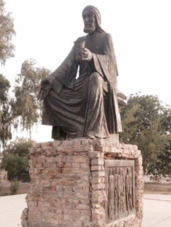 تمثال الشاعر أبو نؤاس والتخريب الذي لحق به