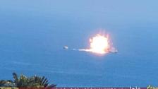 داعش يتبنى تدمير فرقاطة مصرية وينشر صورا للعملية