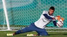 Man United sign Argentina keeper Romero on free transfer