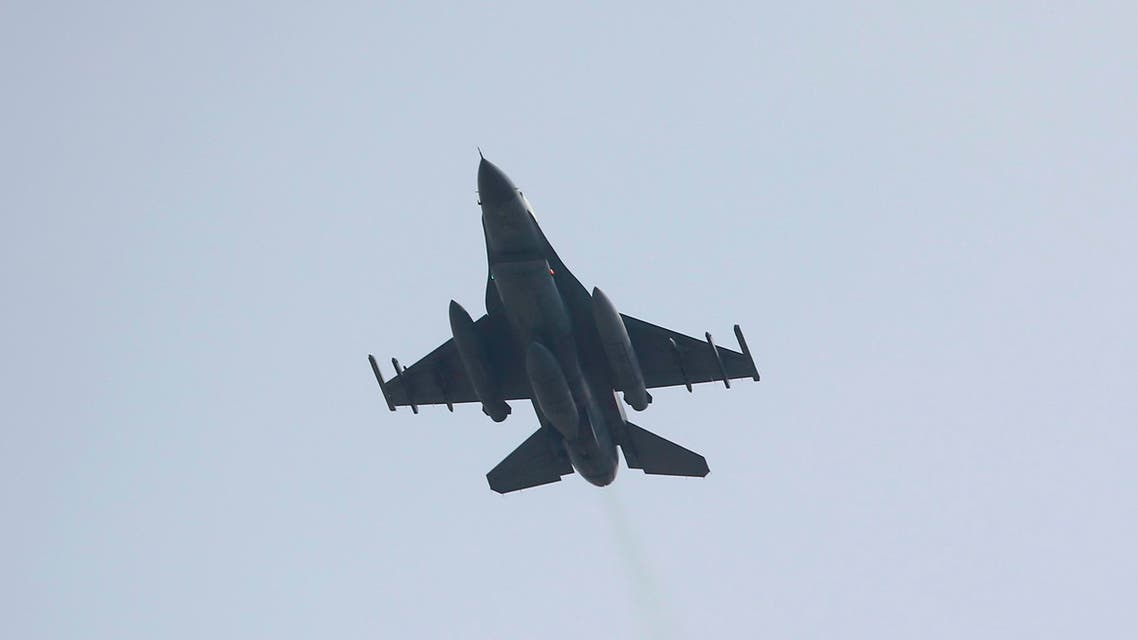 A Turkish F-16 fighter jet takes off from Incirlik airbase in the southern city of Adana, Turkey, July 27, 2015. Turkey attacked Kurdish insurgent camps in Iraq for a second night on Sunday, security sources said, in a campaign that could end its peace process with the Kurdistan Workers Party (PKK). REUTERS/Murad Sezer