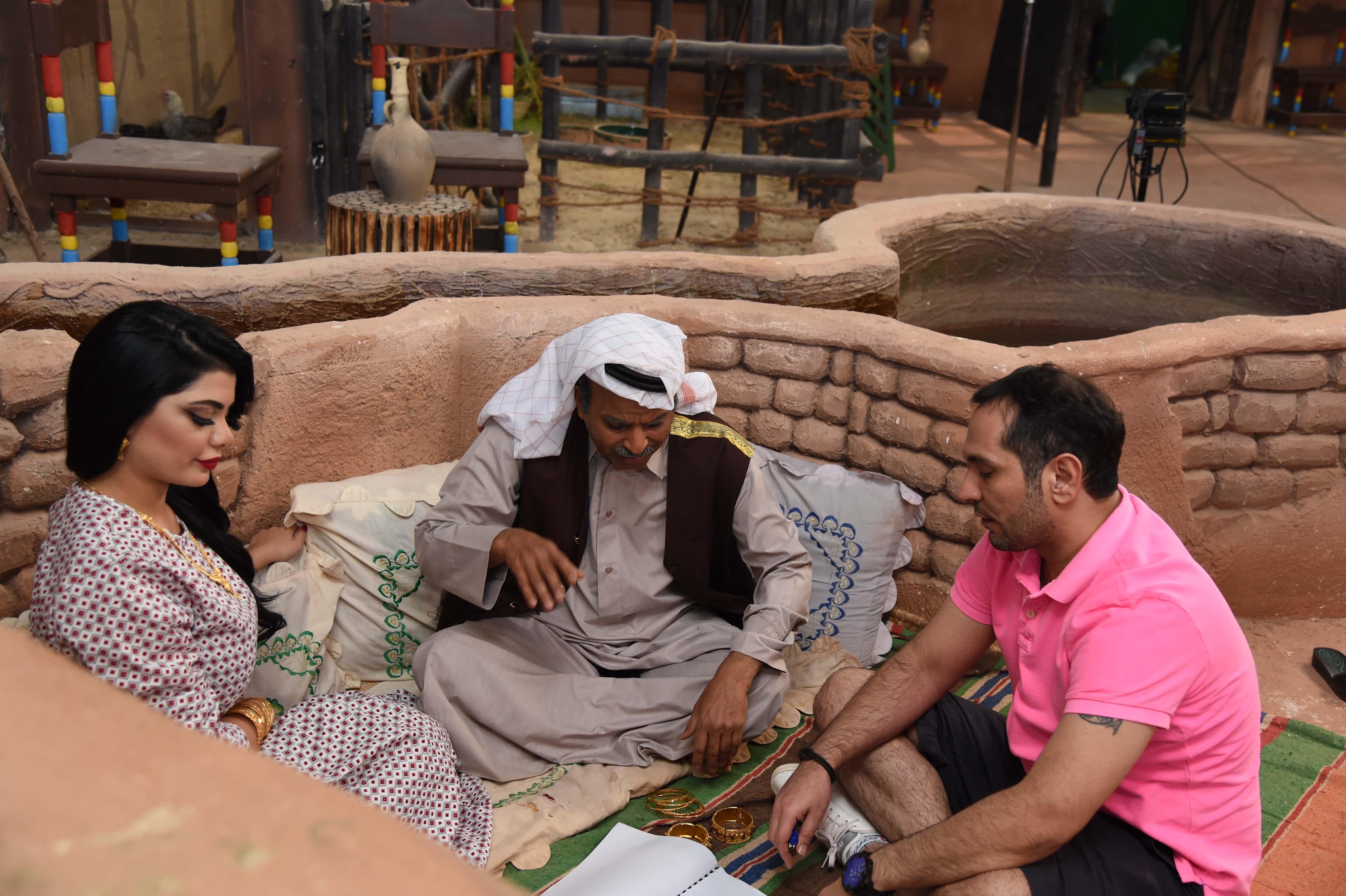 نعمان حسين وطارق العلي والاماراتية عاليا الشمري في الفصلة
