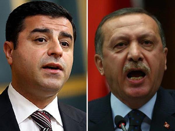 المحكمة الدستورية في تركيا تدين اعتقال زعيم كردي