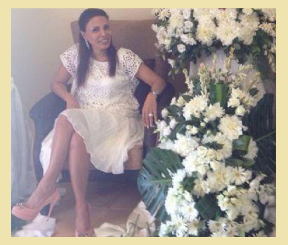 فاطمة مسعود أم القاتل لا زالت تنشر صورها بكامل أناقتها على صفحتها الخاصة