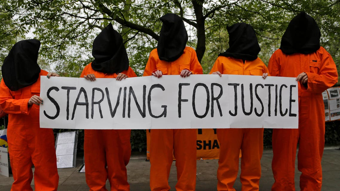 Protesters in solidarity with Guantanamo Bay Inmates on Hunger Strike during a demonstration outside the US embassy in central London, May 18, 2013. (File photo: AP)