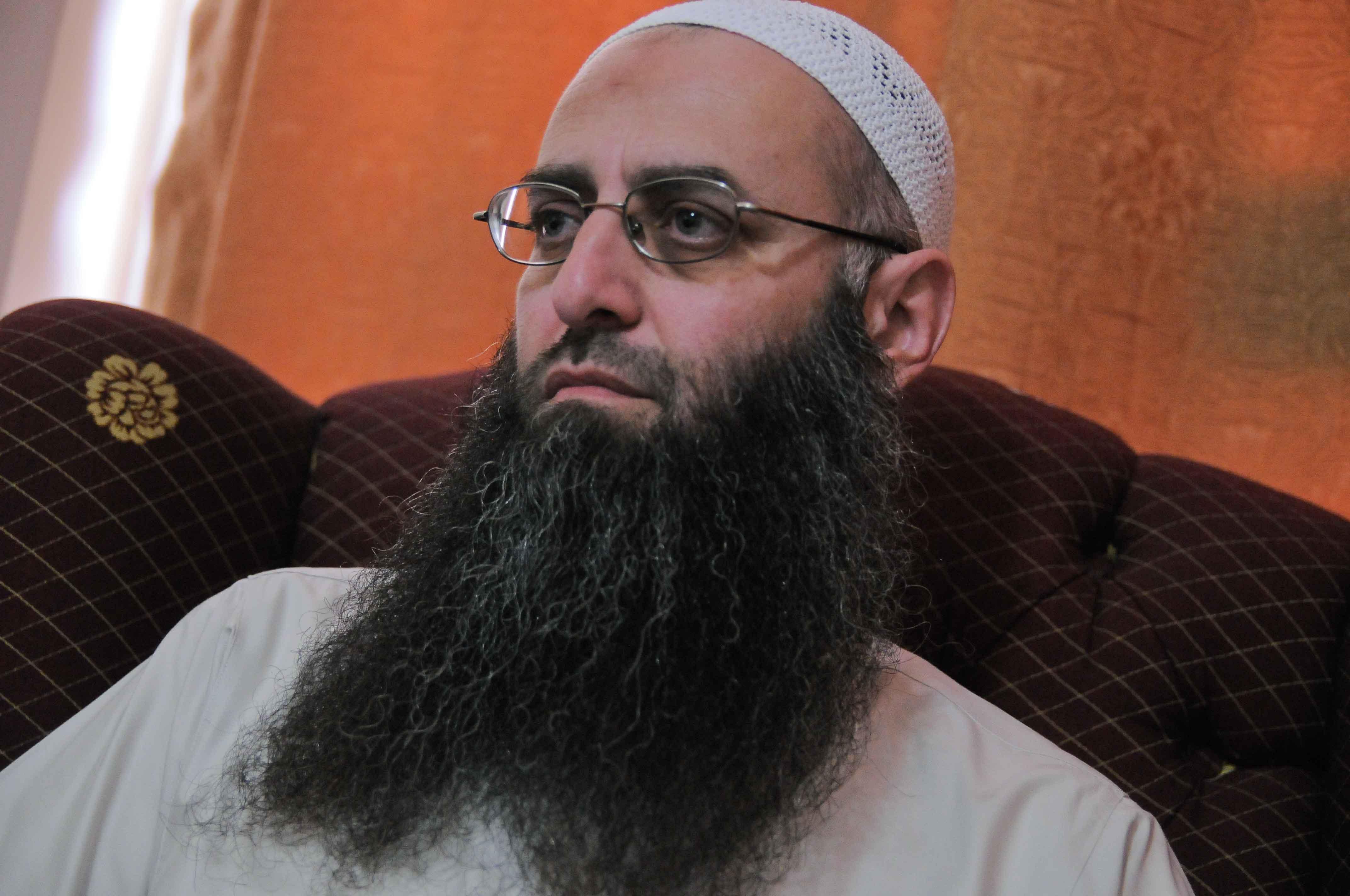 Lebanon arrests fugitive cleric Ahmad al-Assir