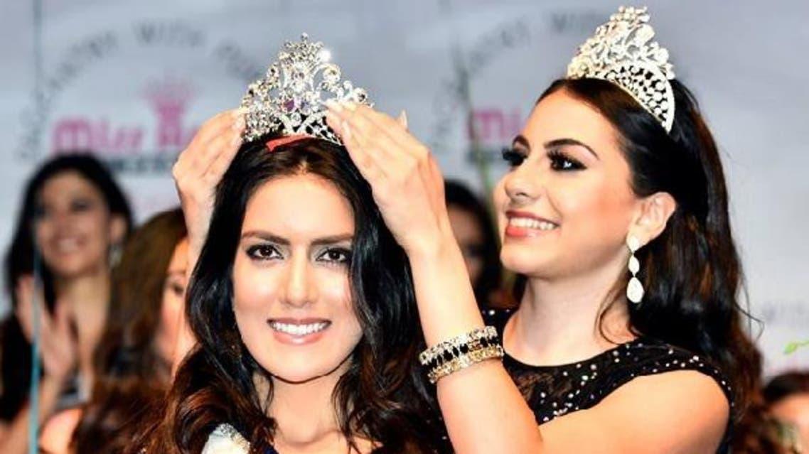 اللبنانية غنوة زين الدين، ملكة جمال العام الماضي، تتوّج فابيولا الابراهيم