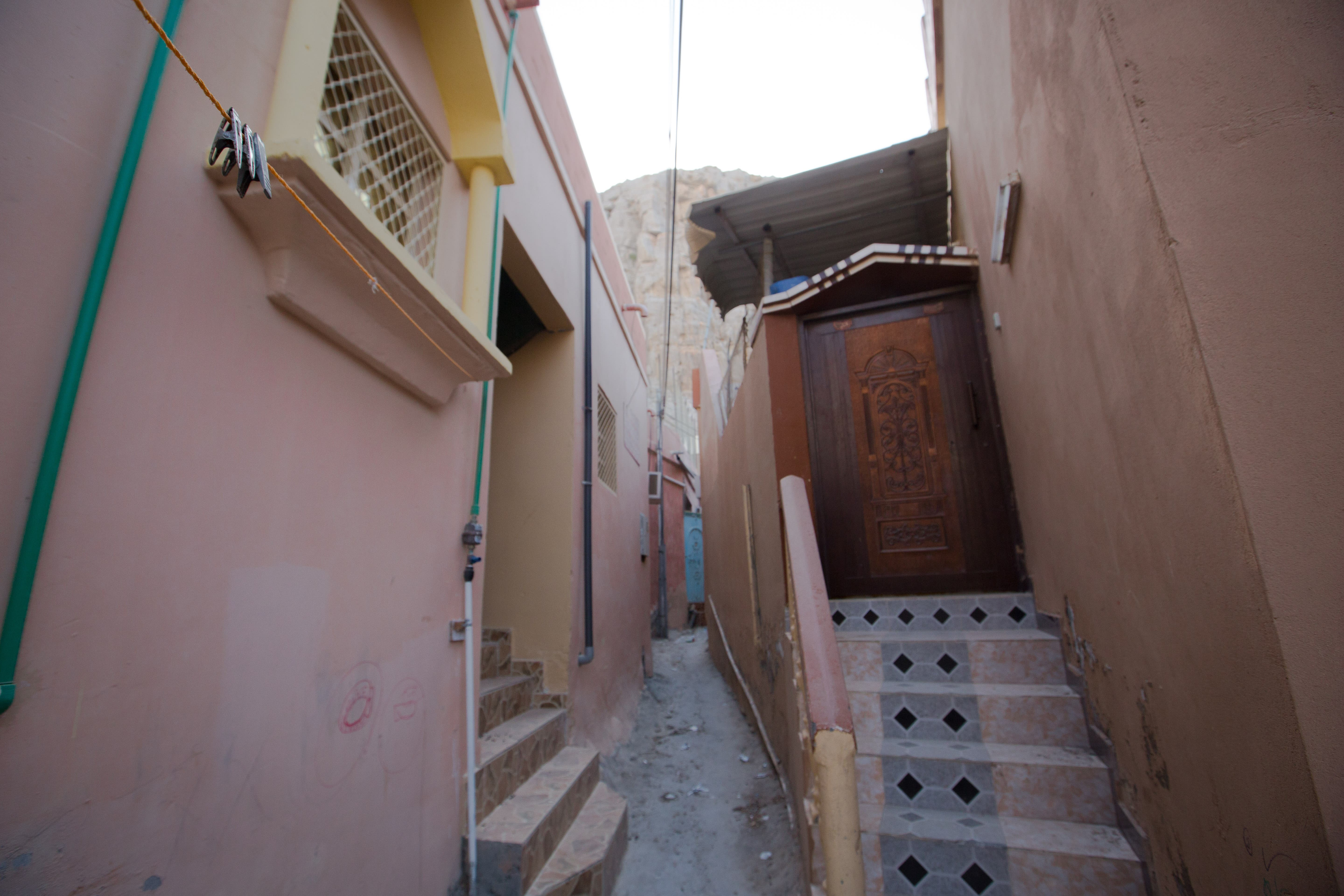 A washing line in the middle of the small alleys between houses in Kumzar. (Amanda Fisher/Al Arabiya News)