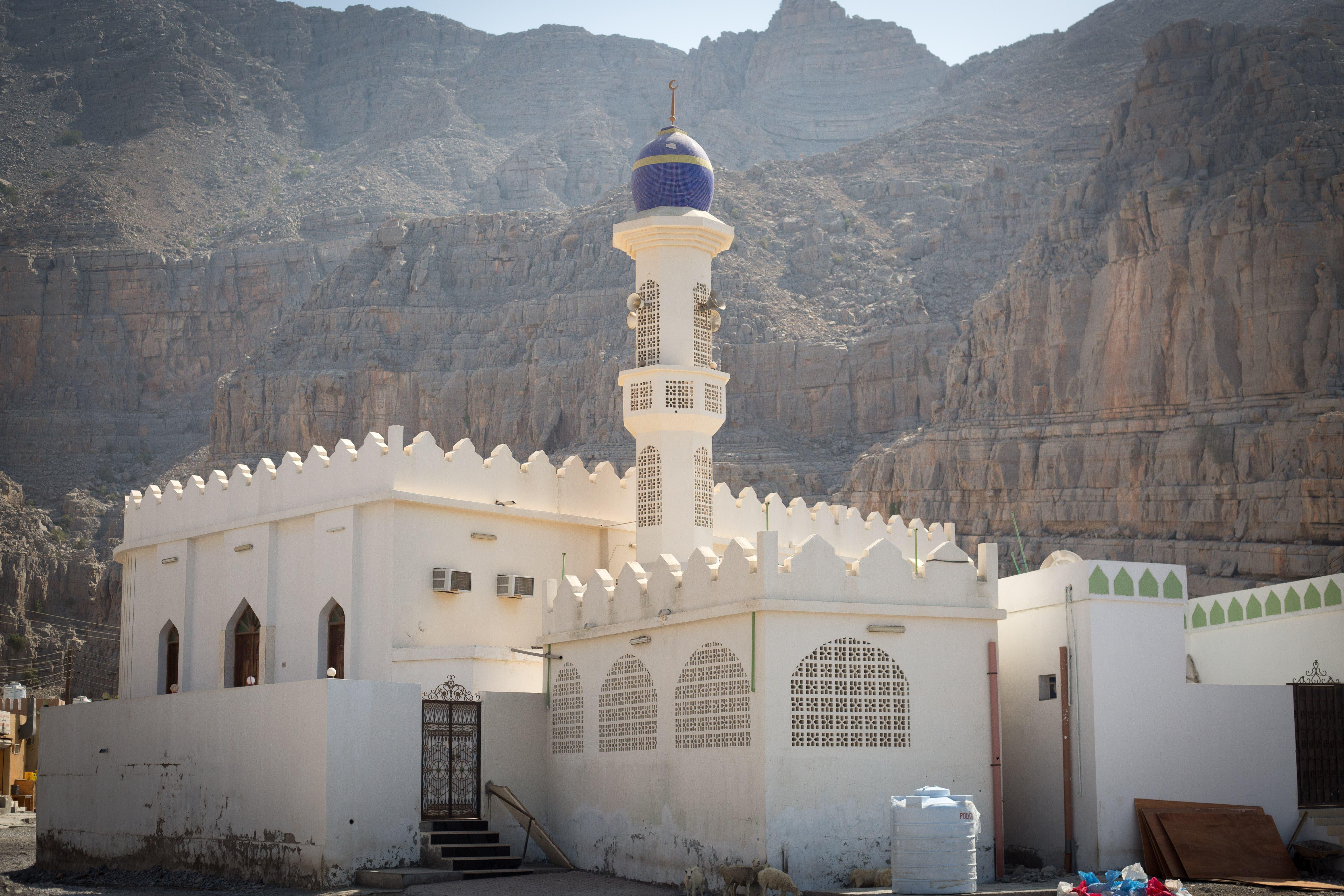 One of Kumzar's two mosques. (Amanda Fisher/Al Arabiya News)