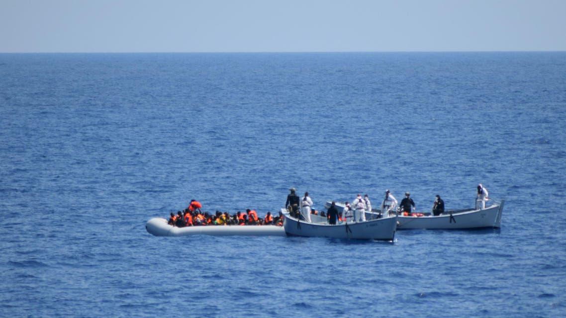 البحرية الإيطالية تنقذ مهاجرين في المتوسط (أرشيفية)