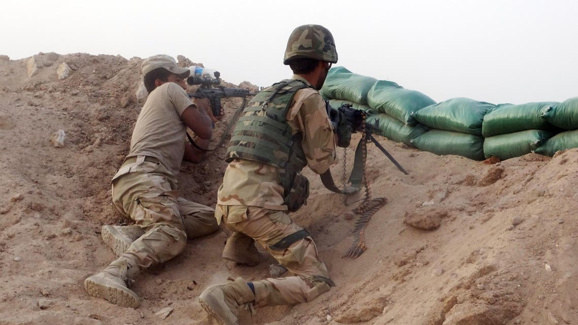 Iraqi Army soldiers clash with ISIS militants at the front line in the eastern suburbs of Ramadi. (File: AP)