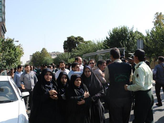 اعتقال متظاهرين أمام السفارة البريطانية في طهران