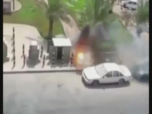 فيديو.. انفجار كبينة كهرباء في جدة جراء الأحمال العالية